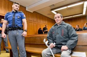 Senior Jaromír Balda u soudu
