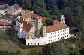 Břeclav, zámek