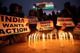 Pietní shromáždění za zabité indické policisty v Kašmíru
