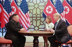Summit USA a KLDR veVietnamu