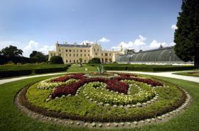 Park zámku v Lednici