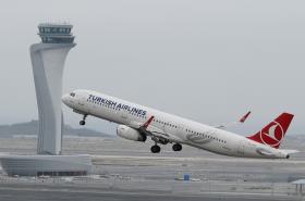 Z nového istanbulského letiště odstartovalo první letadlo