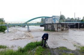 Záběry z rozvodněné Bečvy v Ústí na Přerovsku