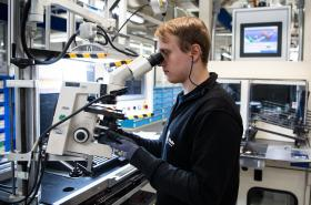 Výroba v německé továrně Gilette