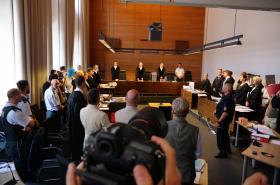 Soud ve Freiburgu se zabývá případem hromadného znásilnění