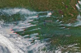 Požáry na Sibiři na snímku z kosmu