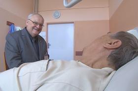 Kaplan Jan Zapletal v hodonínské nemocnici