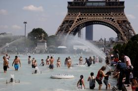 Paříž zažívá rekordní teploty