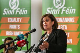 Předsedkyně Sinn Féin Mary Lou McDonadlová