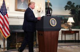 Donald Trump komentoval v pondělí střelbu v El Pasu a Daytonu