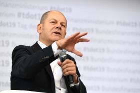 Německý ministr financí Olaf Scholz je připraven podpořit chřadnoucí ekonomiku veřejnými prostředky