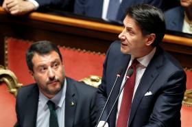 Šéf Ligy Matteo Salvini a premiér Giuseppe Conte
