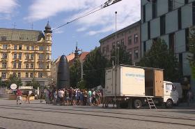 Měřící vůz na náměstí Svobody v Brně