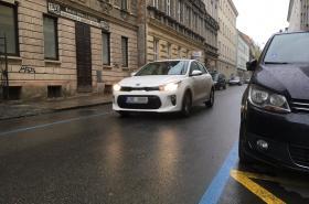 Modré čáry v dalších ulicích Brna