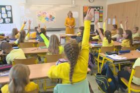 Opozice by chtěla z rozpočtu více přidat do školství