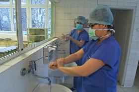 Zatímco neurologové pracují se špičkovým vybavením, gynekologové čekají na investice