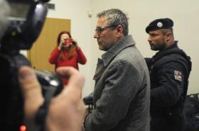 Stanislav Horáček v budově soudu