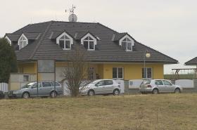 Policie pořád pátrá po organizované skupině, která vykrádá rodinné domy v okolí Prahy