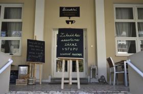 Protikoronavirová opatření uzavřela i restaurace