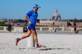 Běžec v parku v Římě