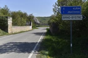 Pozůstatky takzvané Hitlerovy dálnice u Rozdrojovic na Brněnsku