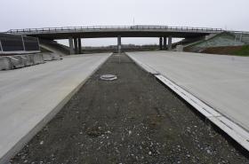 Nedostavěný úsek dálnice D1 u Přerova