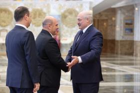 Michail Mišustin a Alexandr Lukašenko