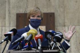 Ministr zdravotnictví Adam Vojtěch (za ANO) na tiskové konfefenci