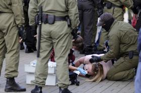 Policie v sobotu zadržela okolo stovky běloruských žen