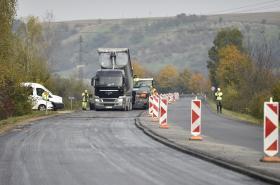 Oprava silnice u Uherského Brodu finišuje