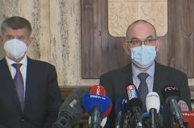 Ministr zdravotnictví Blatný a premiér Babiš na tiskové konferenci