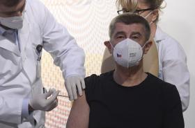 Premiér Andrej Babiš se nechal očkovat proti nemoci covid-19