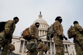 Národní garda se opevňuje ve Washingtonu před Bidenovou inaugurací
