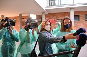 Novináři na tiskové konferenci ve Fakultní nemocnici Brno
