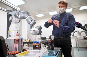 Robot na přípravu vzorků