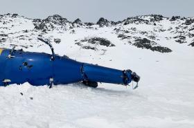 Vrak vrtulníku u ledovce Knik