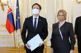 Eduard Heger a Zuzana Čaputová během jmenování vlády