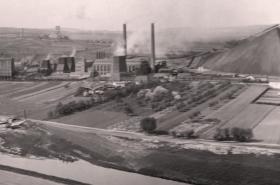 Elektrárna v Oslavanech (historická fotografie)