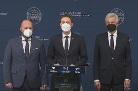 Slovensko vyhostí tři ruské diplomaty, oznámil premiér Heger