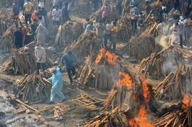 Pohřební hranice v Indii