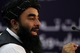 Mluvčí Talibanu Zabíhulláh Mudžáhid