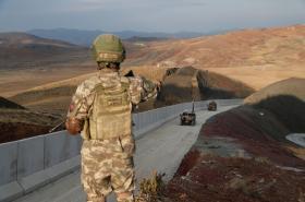 Zeď na turecko-íránské hranici