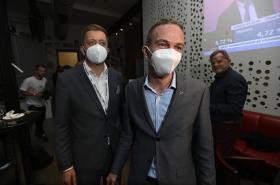 Vít Rakušan a Ivan Bartoš ve volebním štábu