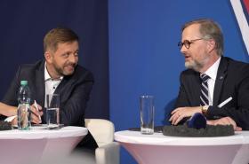Vít Rakušan (PirátiSTAN) a Petr Fiala (SPOLU)