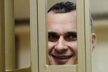 Ruský soud poslal ukrajinského režiséra Sencova na 20 let za mříže