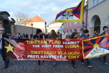 Mohla police vyhnat protičínské demonstranty? Případ míří k Ústavnímu soudu