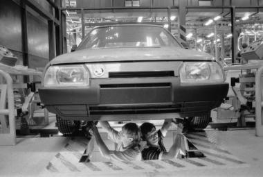 Výroba Škody Favorit v roce 1989