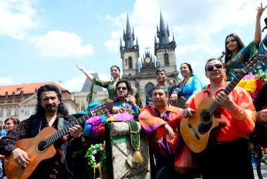 Od neděle probíhá festival Khamoro, letos láká i na balkánskou dechovku Fanfare Ciocarlia
