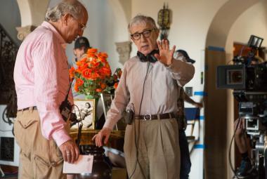 Mezi díváním se na basketbal natočil Woody Allen Café Society