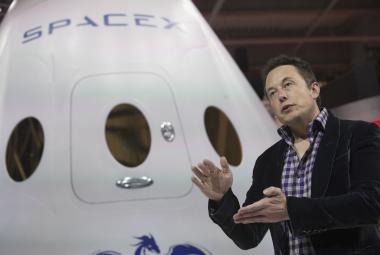 Elon Musk dokončil v Austrálii nejsilnější baterii světa. Dá energii 30 000 domácností